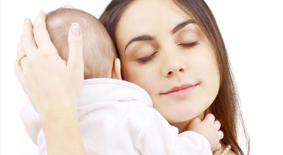Si të kujdeseni për lëkurën e fëmijës tuaj. Kujdesi më bazik që duhet të dini për lëkurën e foshnjeve.